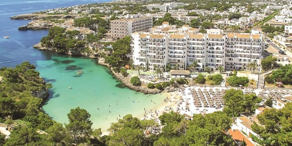 Majorca 3-Star All Inclusive - Beachfront Location