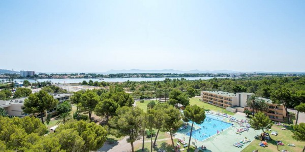Majorca: 3 Star All Inclusive w/ Return Flights