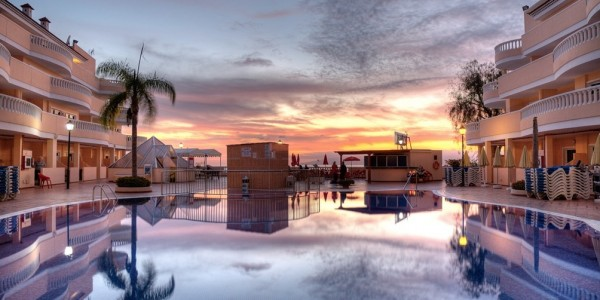 Tenerife 3-Star Half Board - Beachfront Location