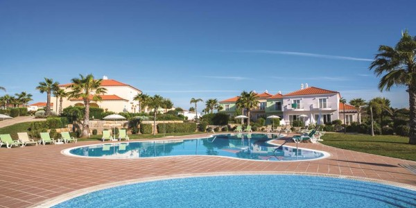 Stylish 4* Algarve All Inclusive Staying in Award Winning Hotel