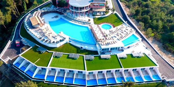 Award Winning 5* Halkidiki Half Board w/ Airport Transfers