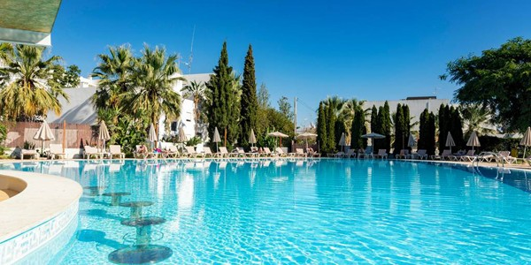 Algarve: 4 Star Half Board Award Winner w/ Flights