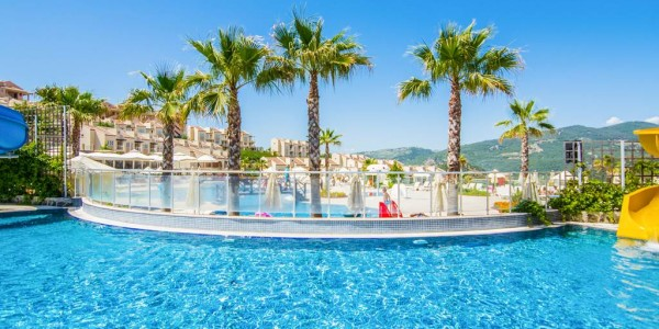 Turkey: 4 Star All Inclusive w/ FREE Child Stay